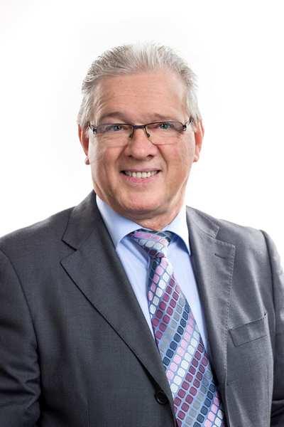Inhaber Günter Dummert